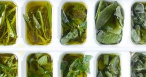 Originaknij sposob hranit aromatnie travy