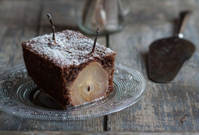 Пирог груша и шоколад