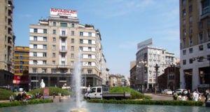 Милан площадь San Babila