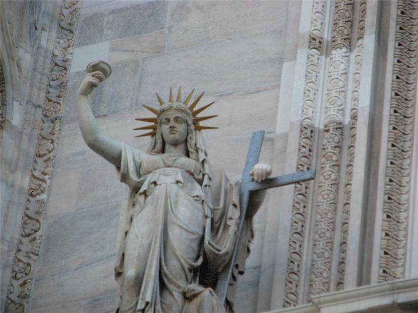 Статуи Дуомо
