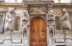 Casa degli Omenoni