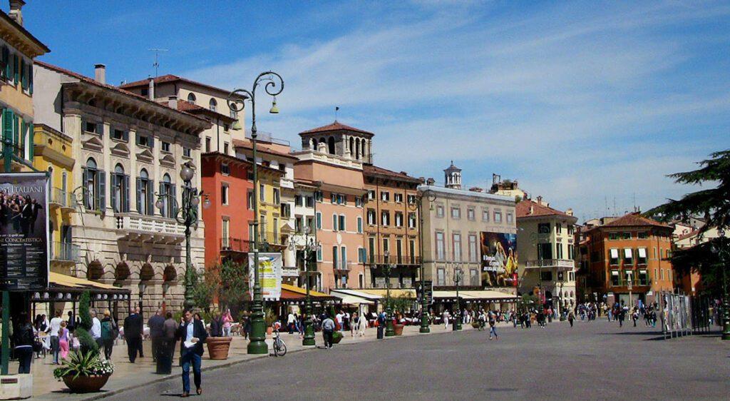 Piazza Bra Верона